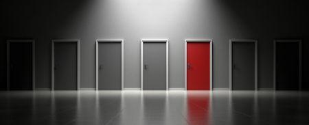 Kernwaarden, grijze deuren en een rode deur